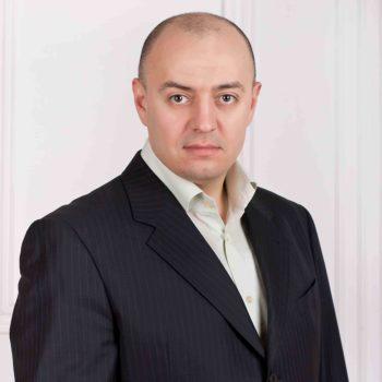 генеральный директор Артем Алексеевич